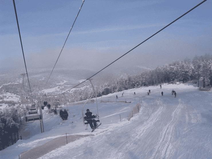 ZA NOVE SKI CENTRE VIŠE OD 100 MILIONA EVRA Crna Gora ulaže u zimski turizam 3
