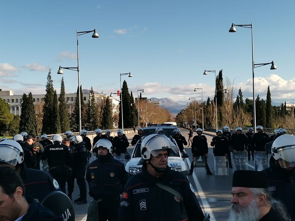 ŠEŠELJ: Srbija hitno da interveniše da zaštiti narod Crne Gore  (VIDEO) 1