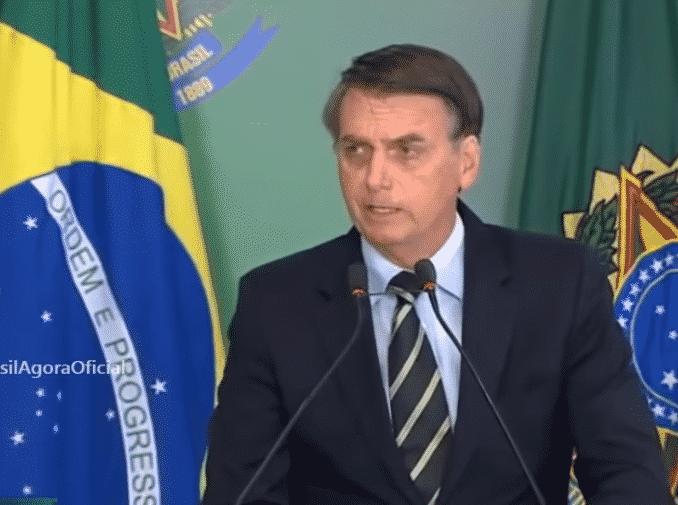Brazil zabranio seriju Netflix-a o gej Isusu, nakon što je spaljeno sedište produkcije! (VIDEO) 1