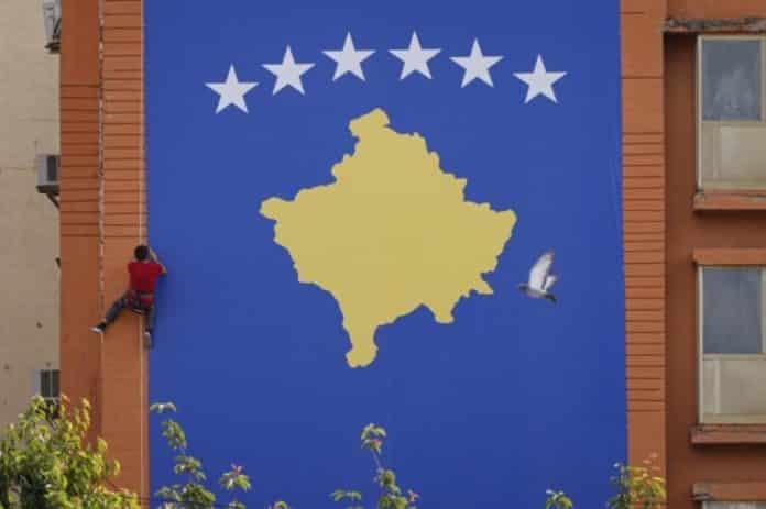 RUSIJA OTKRILA: Vučić priznaje Kosovo da ostane na vlasti! 1
