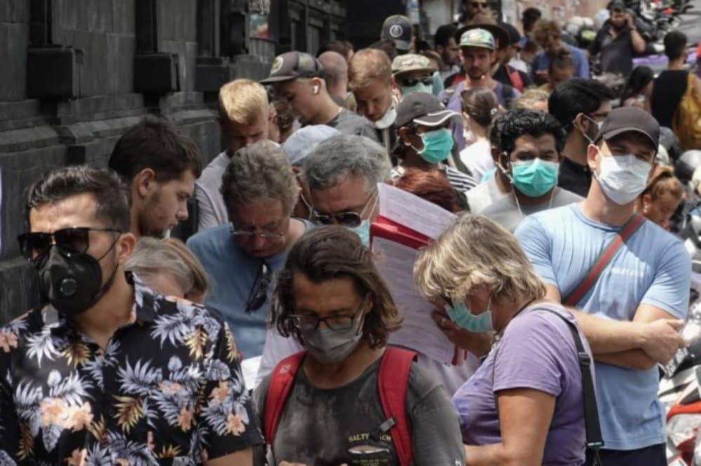 NAROD U BORBI PROTIV BIL GEJTSA I COVID SATANISTA: Masovni protesti u Španiji!(Video) 1