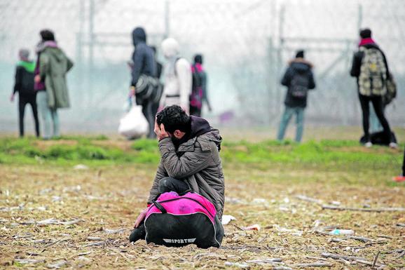 BIH UPOZORAVA: 10.000 migranata na ulicama, policije nema dovoljno 1