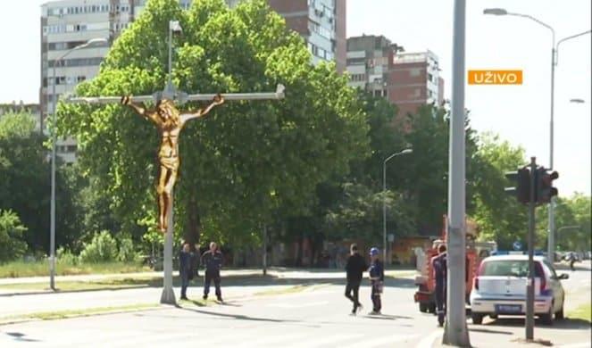 BEOGRAD: Raspeće Isusa Hrista na banderi 1