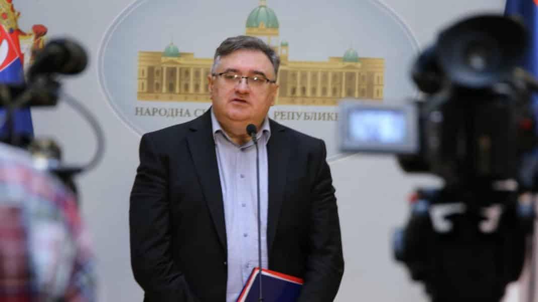 VUKADINOVIĆ: Vučić je najviše uradio za nezavisnost KOSOVA, ODBRANIMO NAŠE SVETINJE! 1