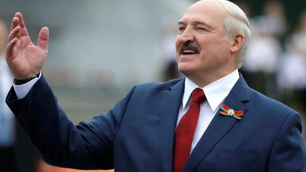 DEMONSTRACIJA DRŽAVE: Lukašenko na ulice izvodi pristalice protiv Soroševih plaćenika 1