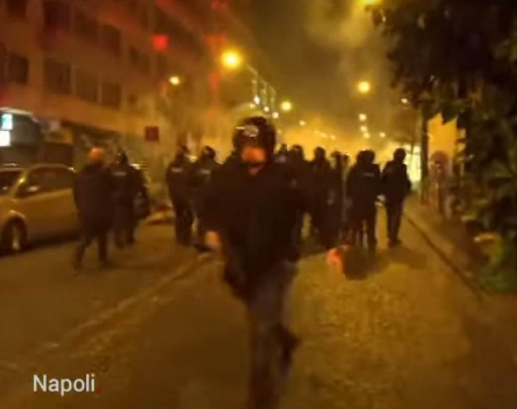 PROTIV KORONE: Demonstranti topovskim udarima na policiju, opkolili zgradu vlade! 1