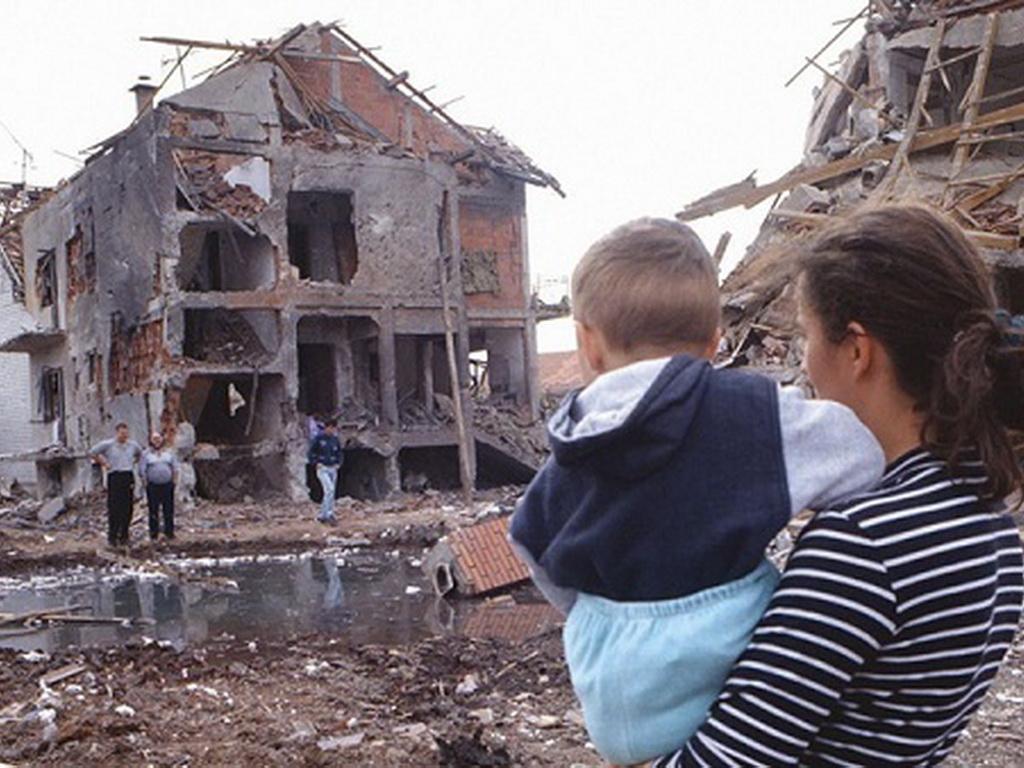 SKANDAL! ĐACI U SRBIJI UČE DA JE NATO MIROLJUBIVA ALIJANSA! Ministar: Strašan propust, smeniću sve odgovorne! 1