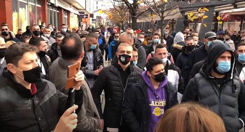 GRAĐANI OGORČENI ZBOG BRUTALNOG UBISTVA: Migranti moraju da odu, veliki protest 1