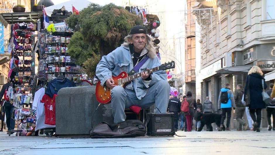 TEROR IZVRŠITELJA: Uličnom sviraču preko 200 dana zatvora zbog nastupa u Knez Mihailovoj 1